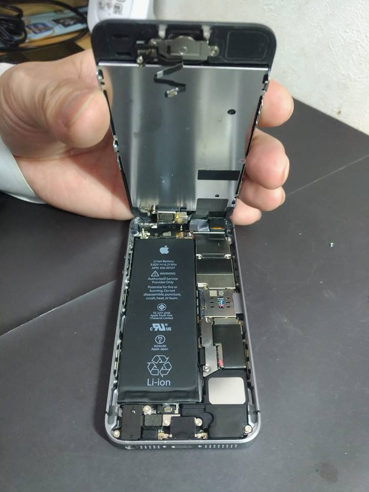 iPhoneSE 水没復旧修理