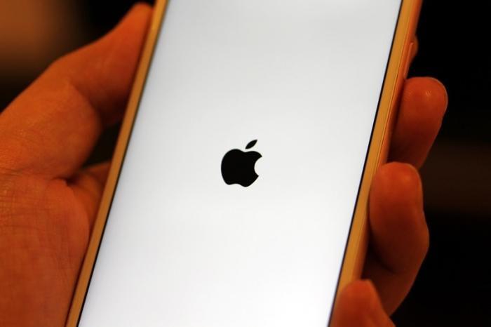iPhone 単体で強制的に再起動させる