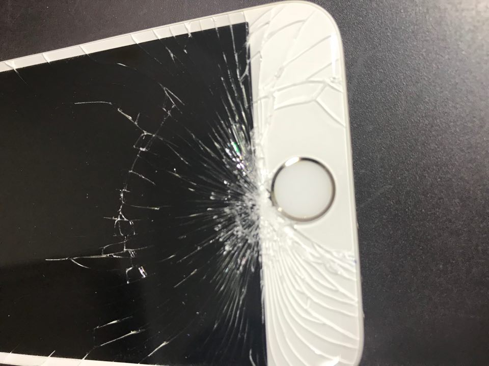 iPhone6 ガラス割れ修理