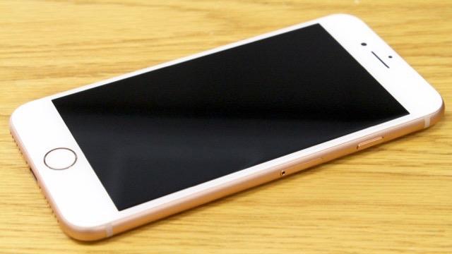 iPhone8 ガラス割れ-液晶不良(画面真っ暗)